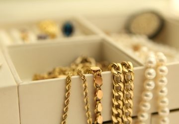 how to clean gold plated jewelry