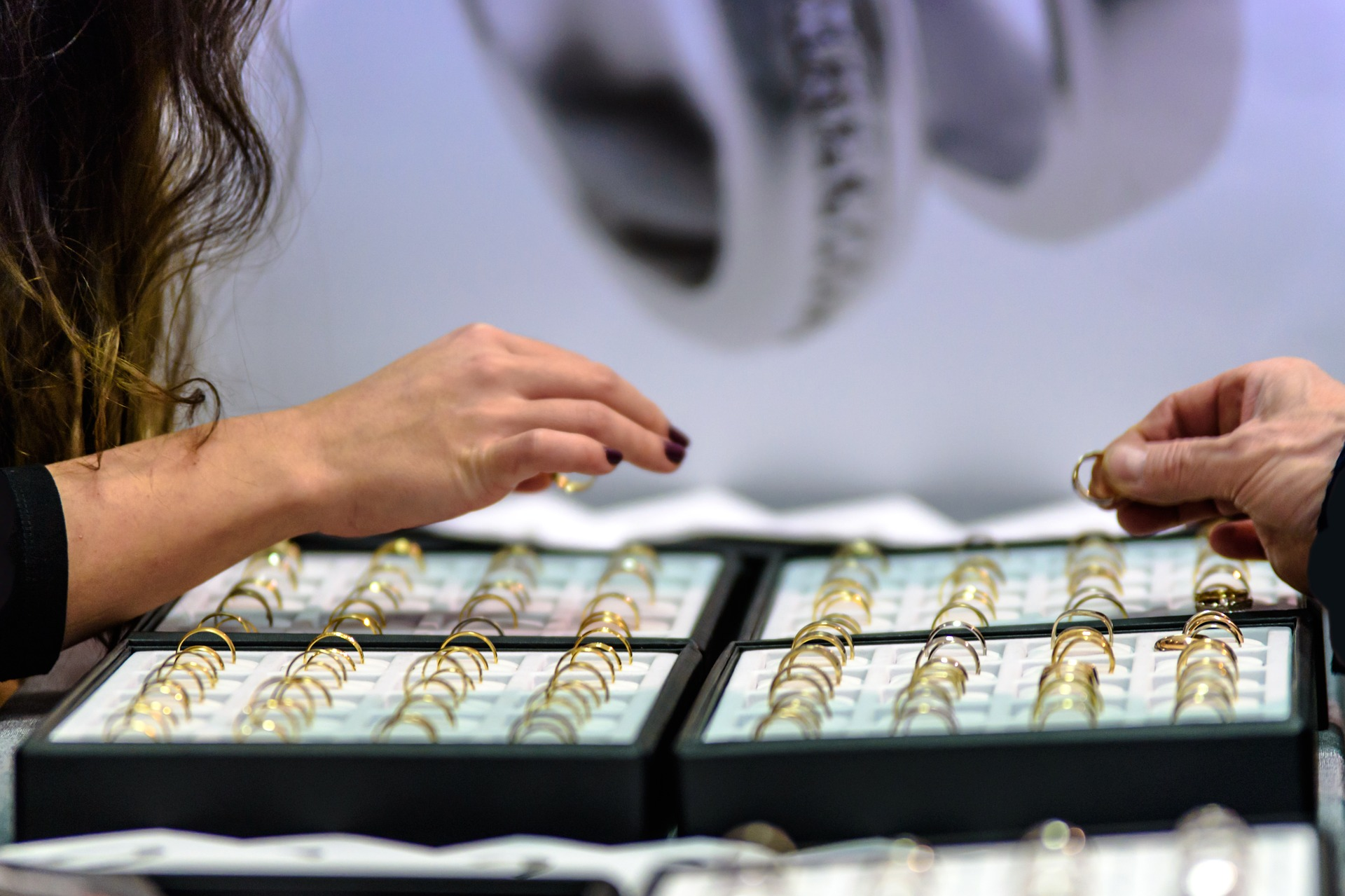 10k Gold Jewelry : Discover the pros and cons of buying it